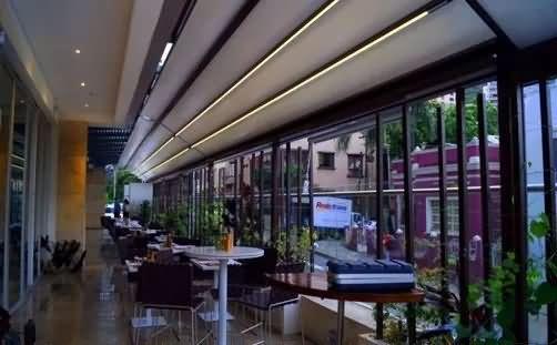 Outdoor high-grade retractable curtain, movable shade